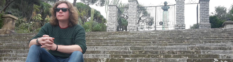 joe-on-steps